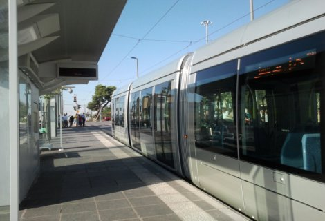 Jerusalem Light Rail train stop
