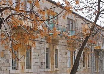 Nachlaot houses