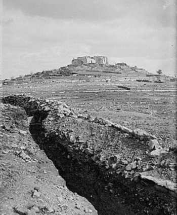 The tomb of the Prophet Samuel seen from British trenches in 1917